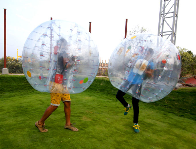 body zorbing fight